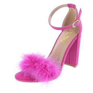 💖 Faux Fur Pink Heel